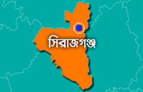 সিরাজগঞ্জে অটোরিকশা খাদে, চালক নিহত