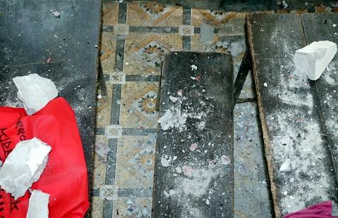 বরগুনায় ফের ধসে পড়ল স্কুলের ছাদের একাংশ