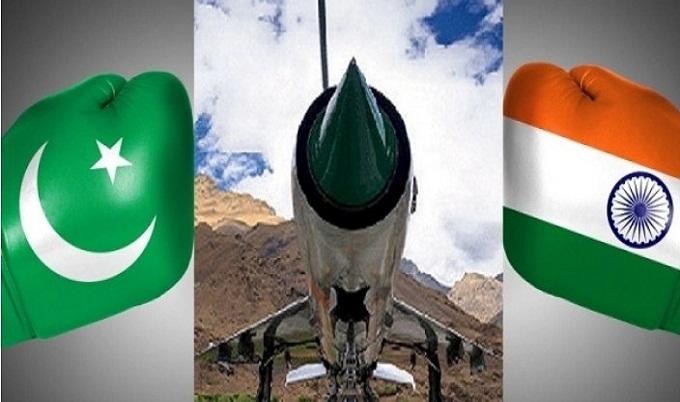 কাশ্মীর ইস্যু: যুদ্ধে জড়াচ্ছে ভারত-পাকিস্তান?