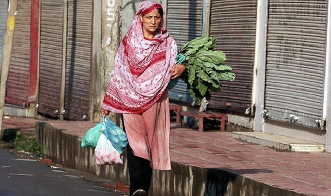 কাশ্মীরি মা ছেলেকে বললেন 'ঈদে বাড়িতে আছিস না আব্বু'