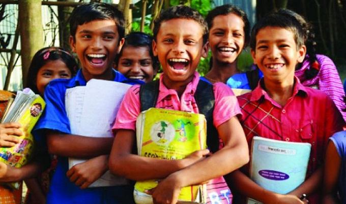নতুন বইয়ের পাশাপাশি স্কুলড্রেসের জন্য ২ হাজার করে টাকা পাবেন শিক্ষার্থীরা