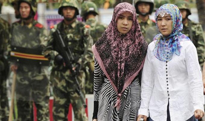উইঘুর নারীদের বন্ধ্যা বানাচ্ছে চীন