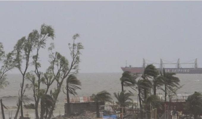 শনিবার আঘাত হানতে পারে 'বুলবুল', হুঁশিয়ারি সংকেত