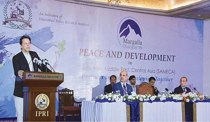 পাকিস্তান যুদ্ধে জড়াবে না : ইমরান