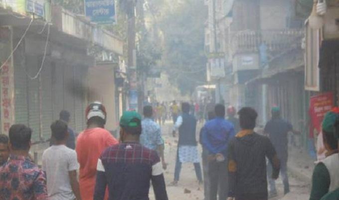 সিরাজগঞ্জে আ'লীগ-বিএনপি সংঘর্ষে আহত ৭০