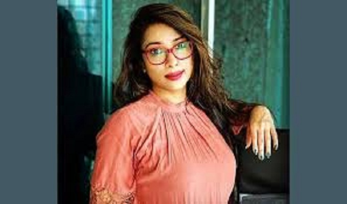 ভুয়া টেস্টের হোতা সাবরিনাকে জিজ্ঞাসাবাদ করছে পুলিশ