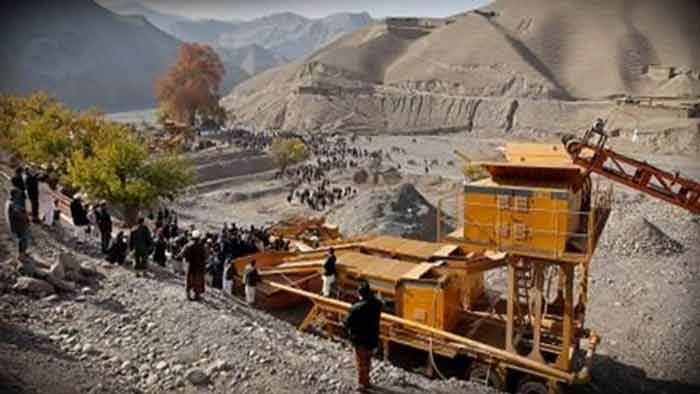 আফগানিস্তানে গাড়িবোমা হামলায় ৩০ সেনা নিহত