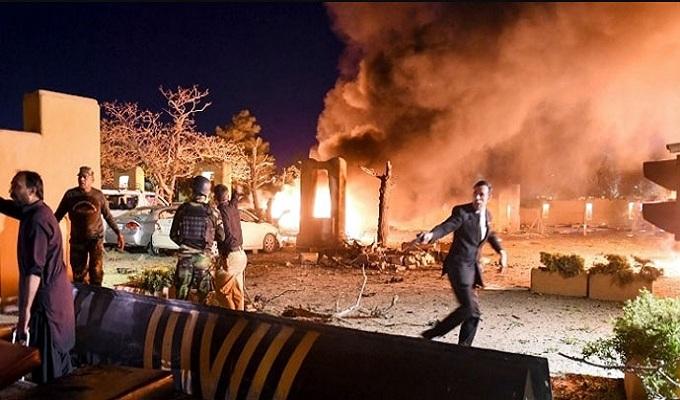 পাকিস্তানে চীনা রাষ্ট্রদূতকে লক্ষ্য করে হোটেলে বোমা হামলা: নিহত ৪