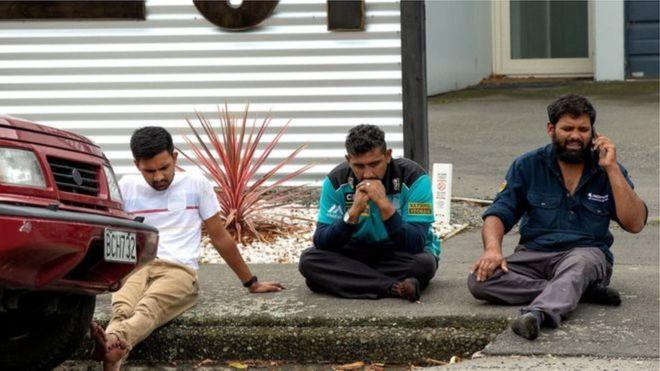৩.আল-নূর মসজিদ এলাকায় এমন উদ্বিগ্ন চেহারা দেখা গিয়েছে