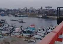 আমিনবাজারে নদীতে 'পড়ে গেছে' যাত্রীবাহী ট্যাক্সি ক্যাব