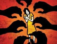 স্ত্রীকে রক্ষা করা সেই শিক্ষককে নির্যাতনের প্রতিবাদে ১হাজার ৯'শ শিক্ষকের বিবৃতি