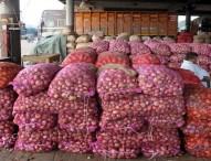 পেঁয়াজ রফতানিতে নিষেধাজ্ঞা তুলে নিচ্ছে ভারত: বাণিজ্যমন্ত্রী