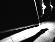 গার্লফ্রেন্ডের বাবা-মাকে দায়ী করে স্টামফোর্ড ছাত্রের আত্মহত্যা