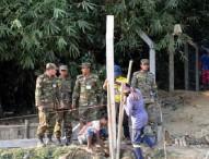 রোহিঙ্গা ক্যাম্পে চলছে পিলার স্থাপন