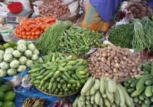 করোনায় বিধিনিষেধ: বেড়েছে সবজির দাম