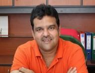 করোনা আক্রান্ত আকরাম খান হাসপাতালে
