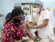 করোনা টিকা: ১০০ কোটি ডোজের মাইলফলক ভারতের